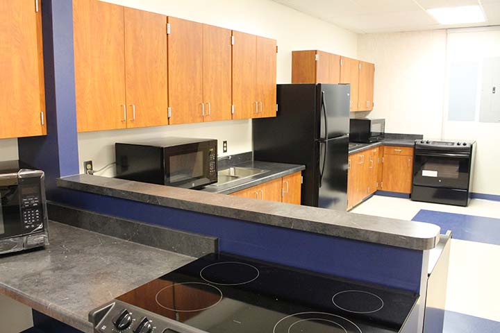 Stirring up new looks: A Home Ec room is made