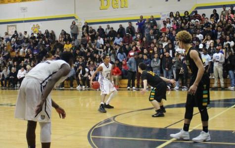 Boys basketball team advances to playoffs